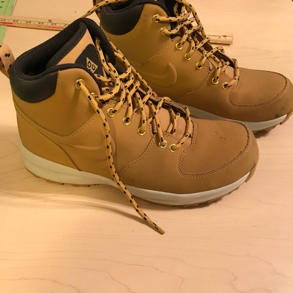 Nike Shoes   Nike Tan Timberland Styled